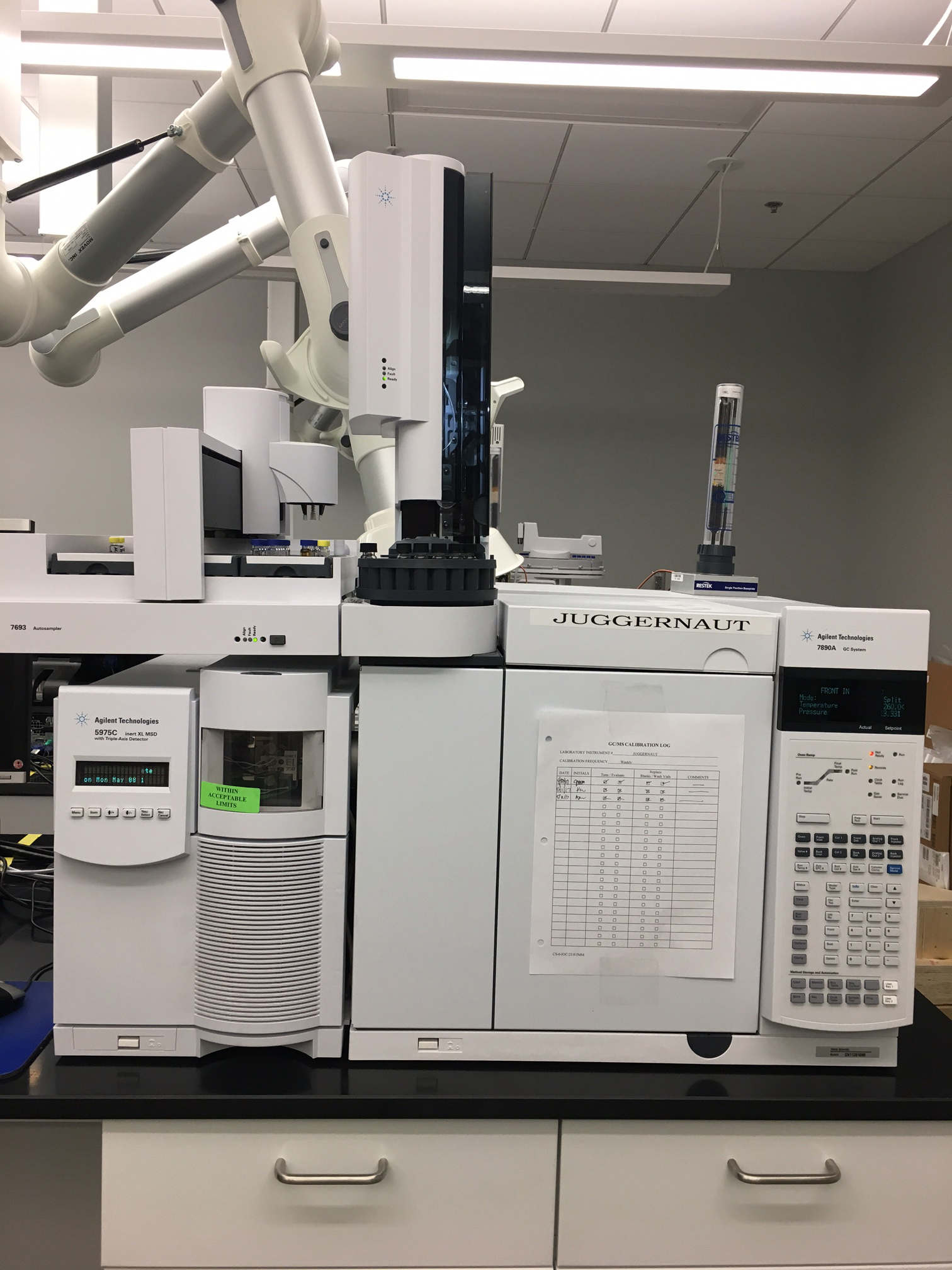 gas chromatograph / mass spectrometer