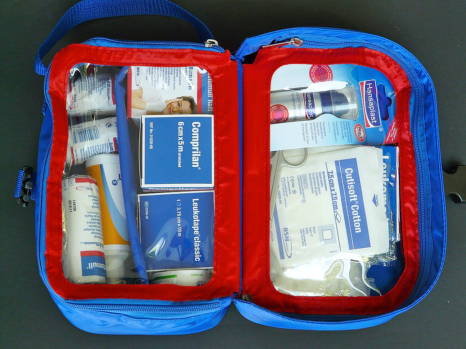 first-aid-kit-59645_960_720