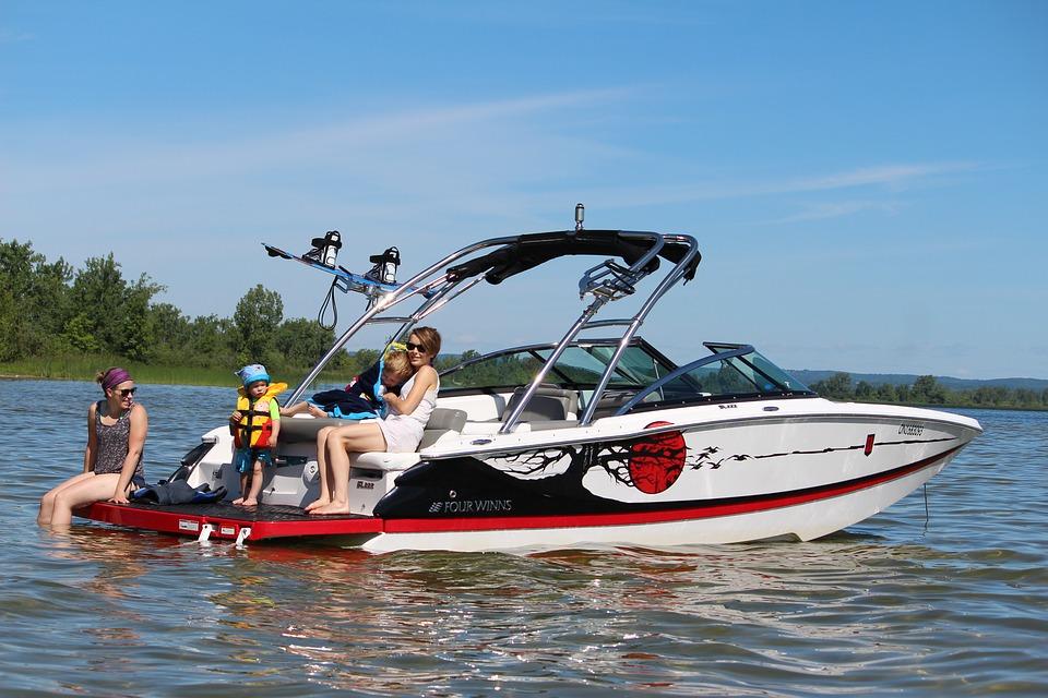 boat-1505685_960_720